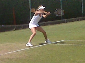 Eugenie Bouchard in Wimby Juniors qualy action
